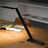 Lampe à poser QisDesign BE LIGHT - Lampe de bureau LED Noir H46cm
