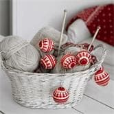 Guirlande et objet lumineux Xmas Living Glass KNITTED BALLS - Guirlande 6 Boules Tricot Rouge & Blanc 2m