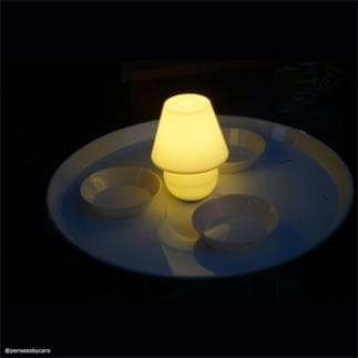 SNACKLIGHT : Table basse avec plateau 3 coupelles et lampe LED H59cm (Orange)